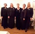 Fra ve: Benedikte M. Vonen, Solveig Helljesen, Merete M. Johnrud, Signe Helga Holsether og Anne Berith Dahl